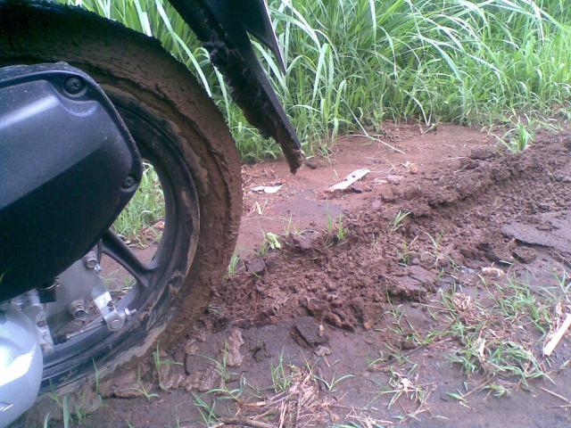 Aggrhh..terjebak lumpur